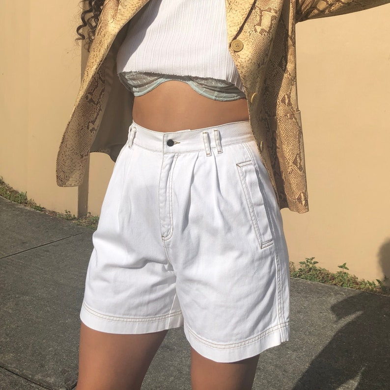 M vintage high waist white denim shorts