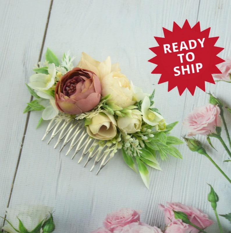 Beige flower hair comb Floral wedding hair decor Flower comb image 1