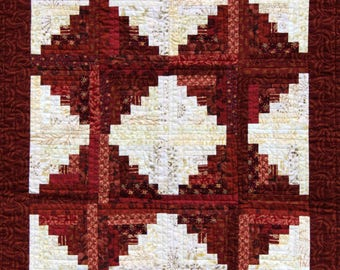 Red and White Quilted Wall Hanging.  Machine Pieced, Log Cabin Pattern, Quilted Art with Hanging Sleeve, Cotton Organic Fabrics,Table Topper