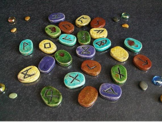 Set 25 rune celtiche con sacchetto pagano pietre divinazione esoterismo rituali