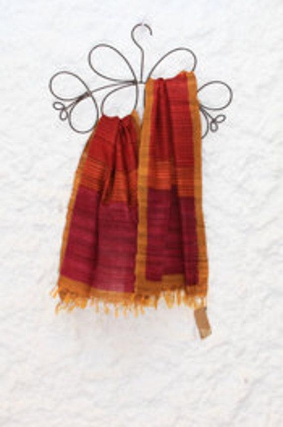 Multicolore fait main Ahimsa foulards en soie pour les femmes   Etsy 4f7e39536a7