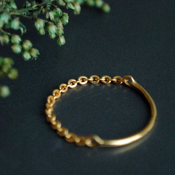 4bfa987e71727 Gold Chain Ring. 18K Solid Gold Chain & Band Ring. Simple Skinny Gold  Stacking Ring. Midi Knuckle Cable Chain Ring. Dainty Wedding Band
