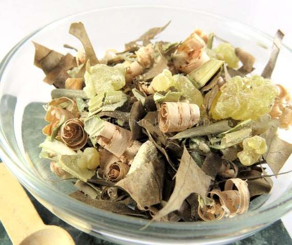Zeus ritual offering blend, herb and resin mix honoring the Olympian God of lightning. Oak, Manna, frankincense, olive leaf incense