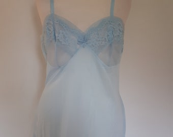 Vintage petticoat slip full slip pale blue with lace size small UK 10