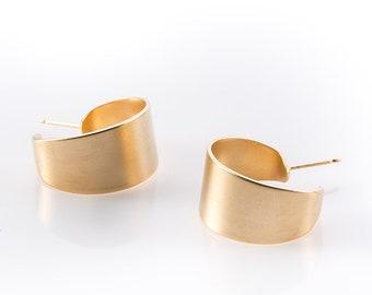 Wide Small Hoop Earrings For Women, Geometric Stud Earrings, Delicate Circle Earrings ,Casual Bohemian Earrings , Stylish Gold Earrings