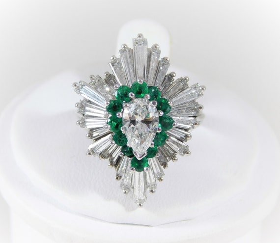 1970s Emerald Diamond white gold Ballerina Ring