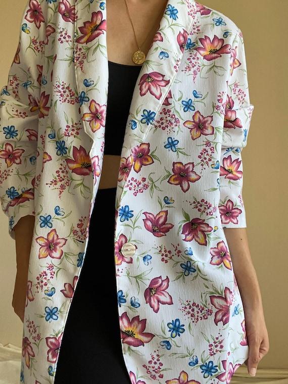 Vintage 90s oversized white floral blazer, fits XS