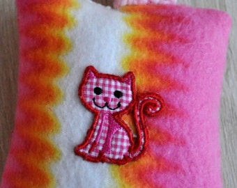 Valerian Cat Cushion Kitty & Tail 5 x 6 Inch / 12 x 15 cm