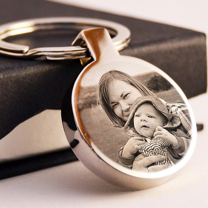 solid Stainless Steel Round keychain photo and text engraved Free UK delivery Mother/'s Day gift