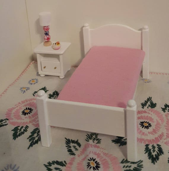 White 1:12 Scale Bed With Mattress/ 1/12 Scale Furniture/
