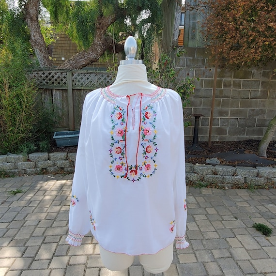 True Vintage 70s Peasant Blouse // 70s does 30s Hu