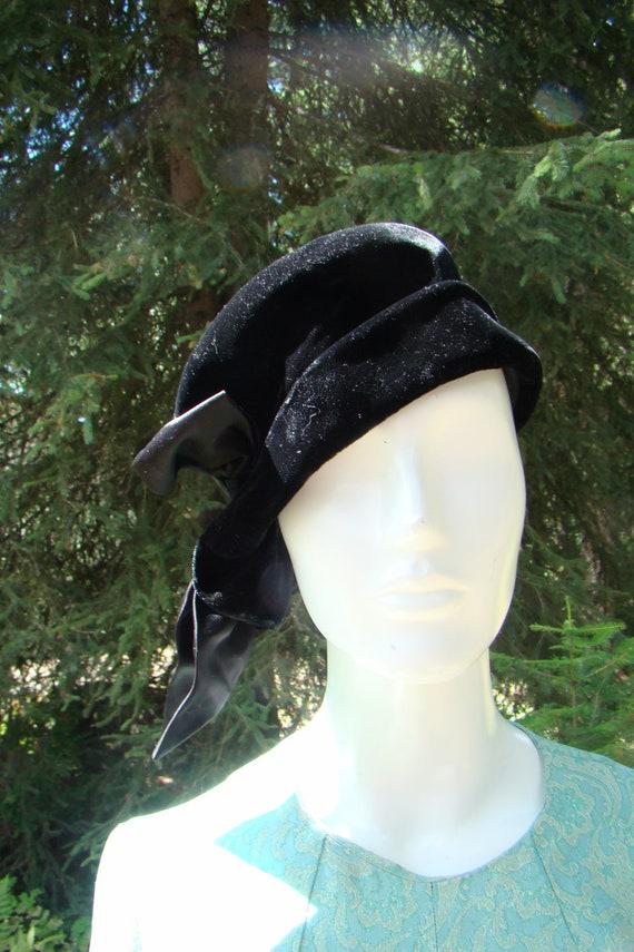 1930s Velvet Bucket Hat