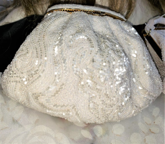 1960s Small Round White Beaded Clutch