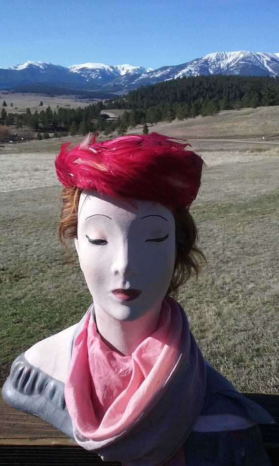 1950s Hot Pink Feathered Pillbox Hat - image 2