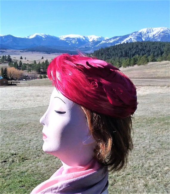 1950s Hot Pink Feathered Pillbox Hat