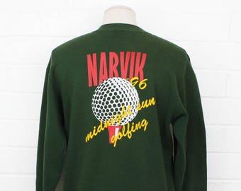 Vintage 1990s Narvik Midnight Sun Golfing 1996 Narvik Golfklubb in Elvegard Norway Forest Green Size Large Crew Neck Sweatshirt
