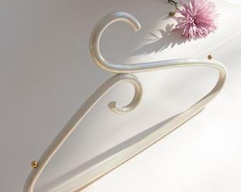 Ceramic hanger iridescent and 22 karat gold