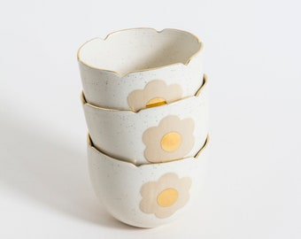 Small speckeld bowl with 22k gold rim - New Mariette collection