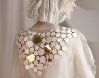 22k Gold porcelain collar Collaboration between Goye X Noémiah