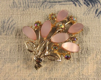 1950s Aurora Borealis & pale pink lucite gold-tone brooch