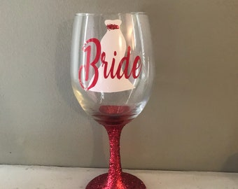 ON SALE Bride wine glass - engagement gift - bridal shower gift - bridal party wine glasses - wedding wine glass - glitter wine glass