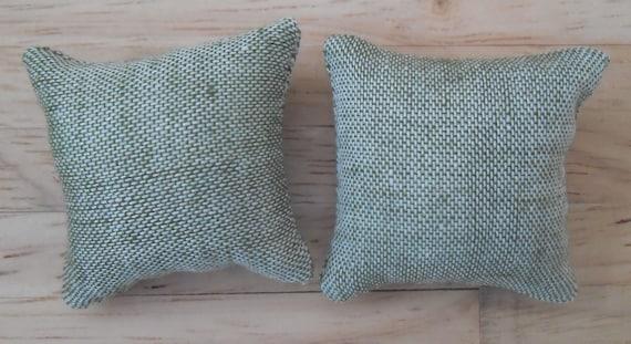 1//12th Scale Dolls House Snow Flakes Design Print Cushions