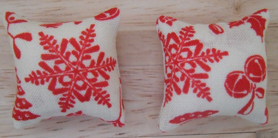 1//12th Scale Dolls House Strawberry Print Cushions