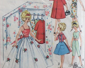 Simplicity 4883 Barbie doll clothes wardrobe and closet vintage 1960's sewing pattern