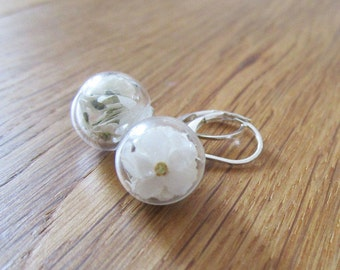 Earrings with white forget-me-not flowers