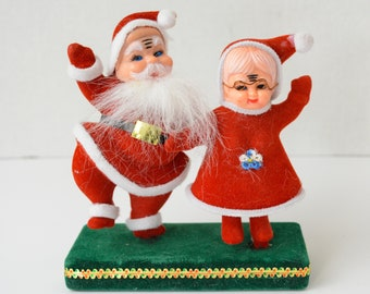 7ff7cde4dbb69 Vintage Flocked Dancing Santa and Mrs. Claus Figurines