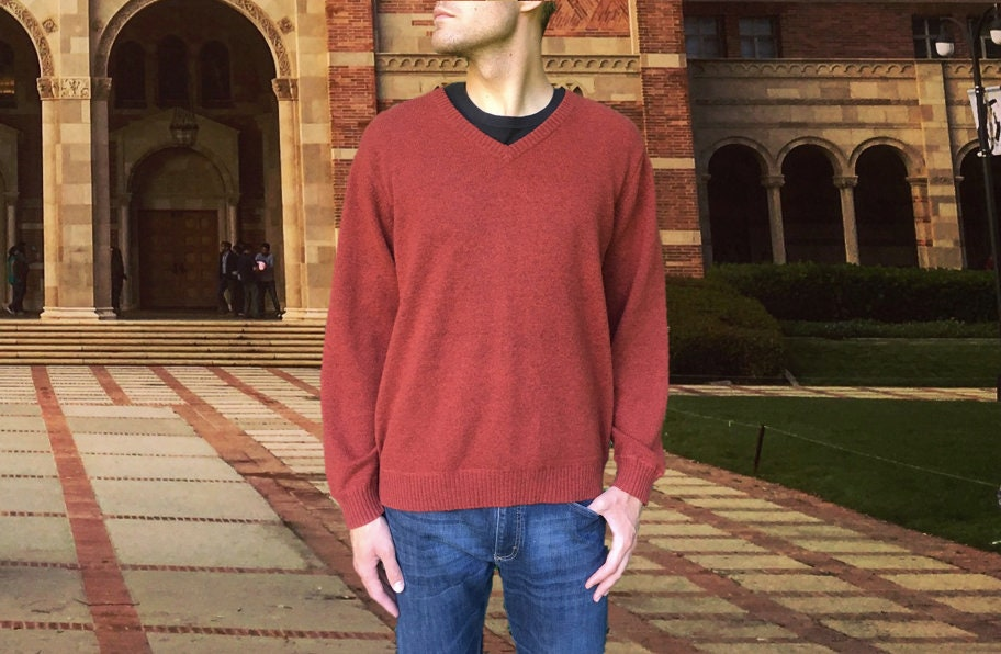 L.L. Bean 100% Cashmere Sweater Soft Vintage Rust Red V Neck Collar Dressy or Casual, Pullover Style Men's Size Large (L)