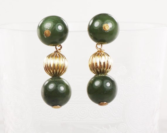 Vintage 14k Gold Green Bead Earrings Yellow Gold D