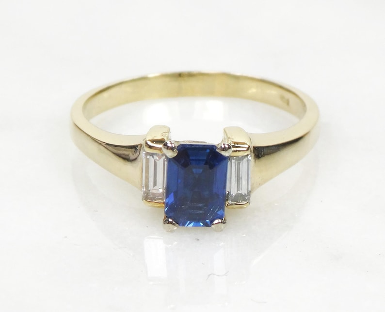1f5173bc86888b Vintage Sapphire Ring Genuine Sapphire GIA Certified Sapphire   Etsy