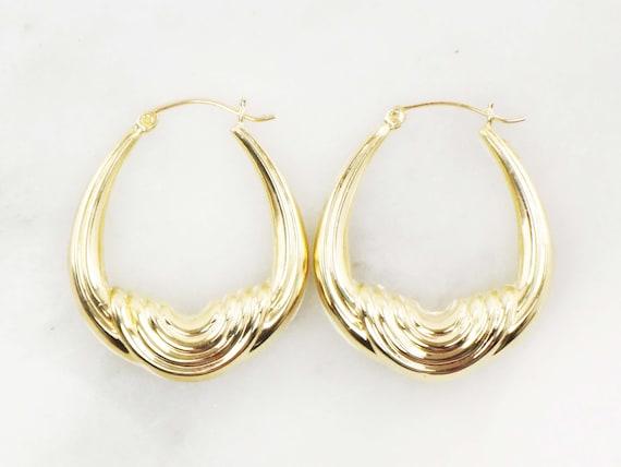 Vintage 14k Gold Ribbed Saddle Hoop Earrings Yell… - image 2