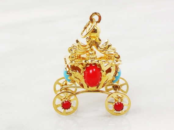 Vintage Gold Charm 18k Gold Carriage Charm Moving