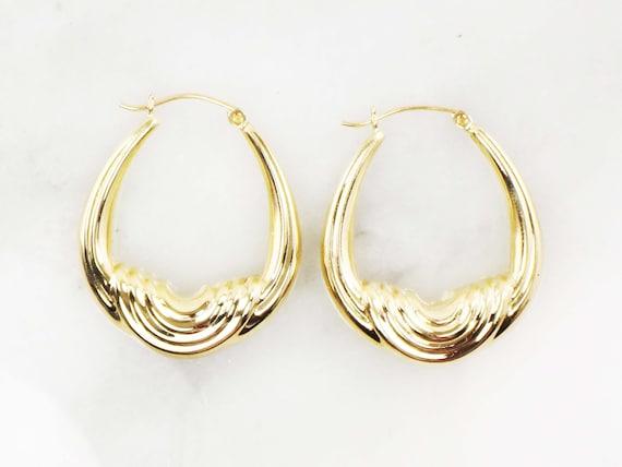 Vintage 14k Gold Ribbed Saddle Hoop Earrings Yell… - image 5