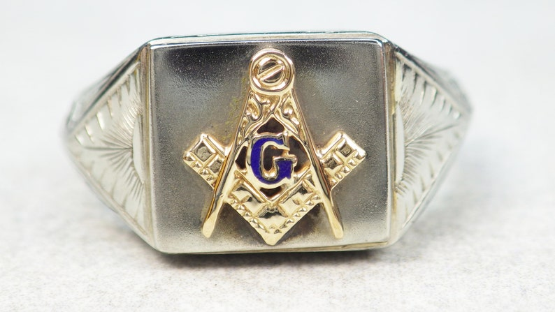 Vintage Art Deco 18k Gold Masonic Ring 1920's Engraved Ring Heavy Mason  Freemason Square and Compass Ring Two Tone Gold Size 8 75