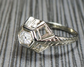 Antique 18k Gold Diamond Ring Antique Old Mine Cut Diamond White Gold Art Deco Ring Antique .25 Carat Diamond Engagement Ring Promise Ring