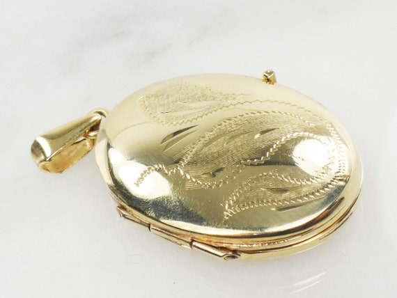 Vintage 14k Locket Yellow Gold Oval Picture Locket
