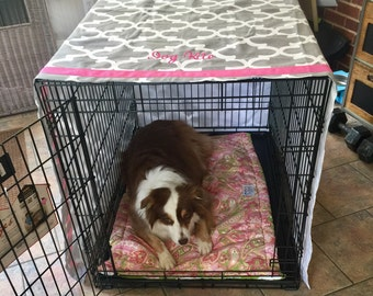 Personalized Dog Crate Cover, Crate Cover in Farmhouse Buffalo Check, Pet Name on Quatrefoil fabric, Sizes Sm - XXL, Monogrammed Crate Cover