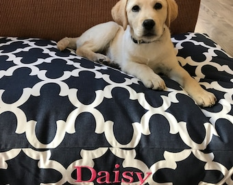 XL Large Dog Bed, Personalized Pet Bed, Jumbo Dog Bed Pillow Covers, Navy Washable Quatrefoil Fabric, Cat Bed, Dog Name