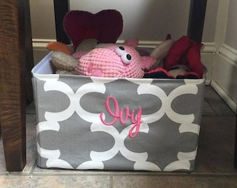 Personalized Pet Basket  - Toy Bin  - Quatrefoil Any color for your Dog or Cat - Best  Puppy Dog Gift by Three Spoiled Dogs