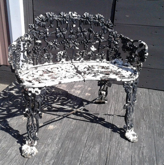 Fabulous Vintage Victorian Style Garden Bench Leaves And Grapes Theyellowbook Wood Chair Design Ideas Theyellowbookinfo