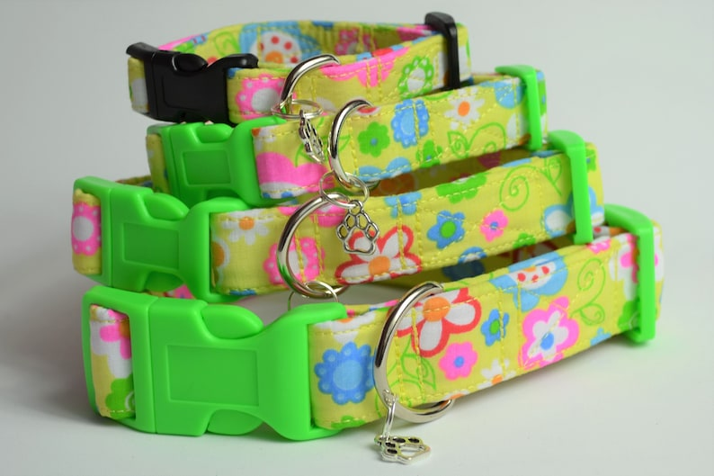 Flower Power hand made adjustable fabric covered dog collar image 0