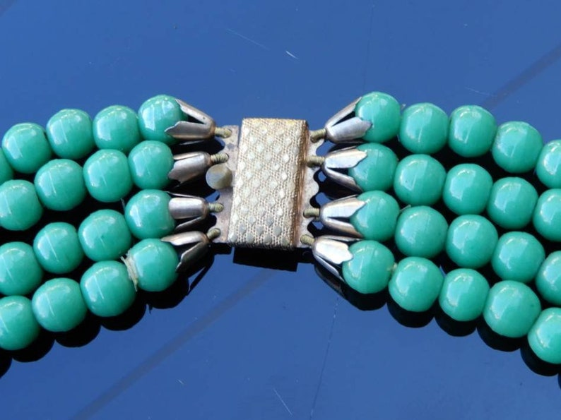 c1940s Green Glass Bead Choker with