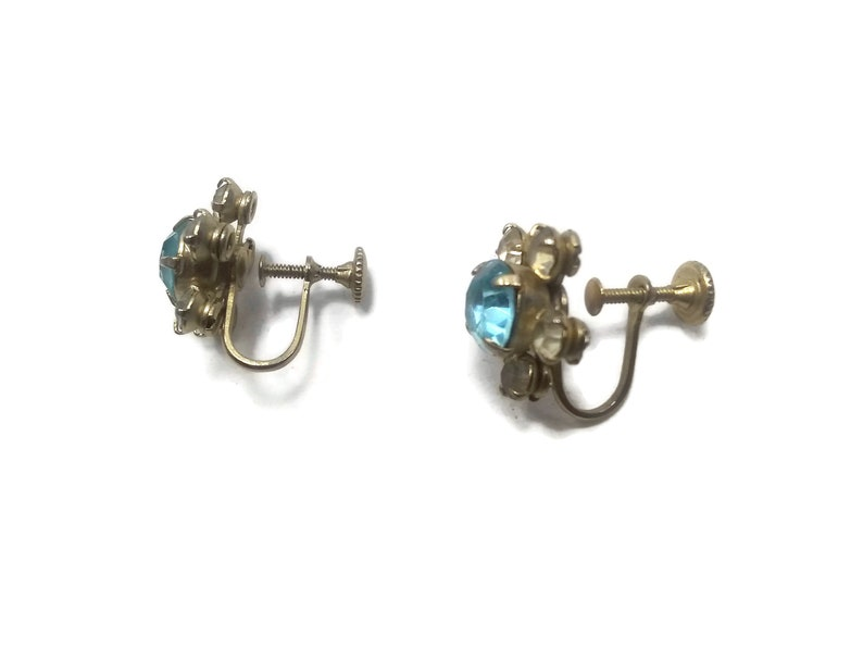 Vintage Gold Tone Rhinestones and Faux Blue Topaz Floral Screw Back Earrings.