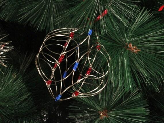 christbaumschmuck aus draht und perlen weihnachtsschmuck. Black Bedroom Furniture Sets. Home Design Ideas