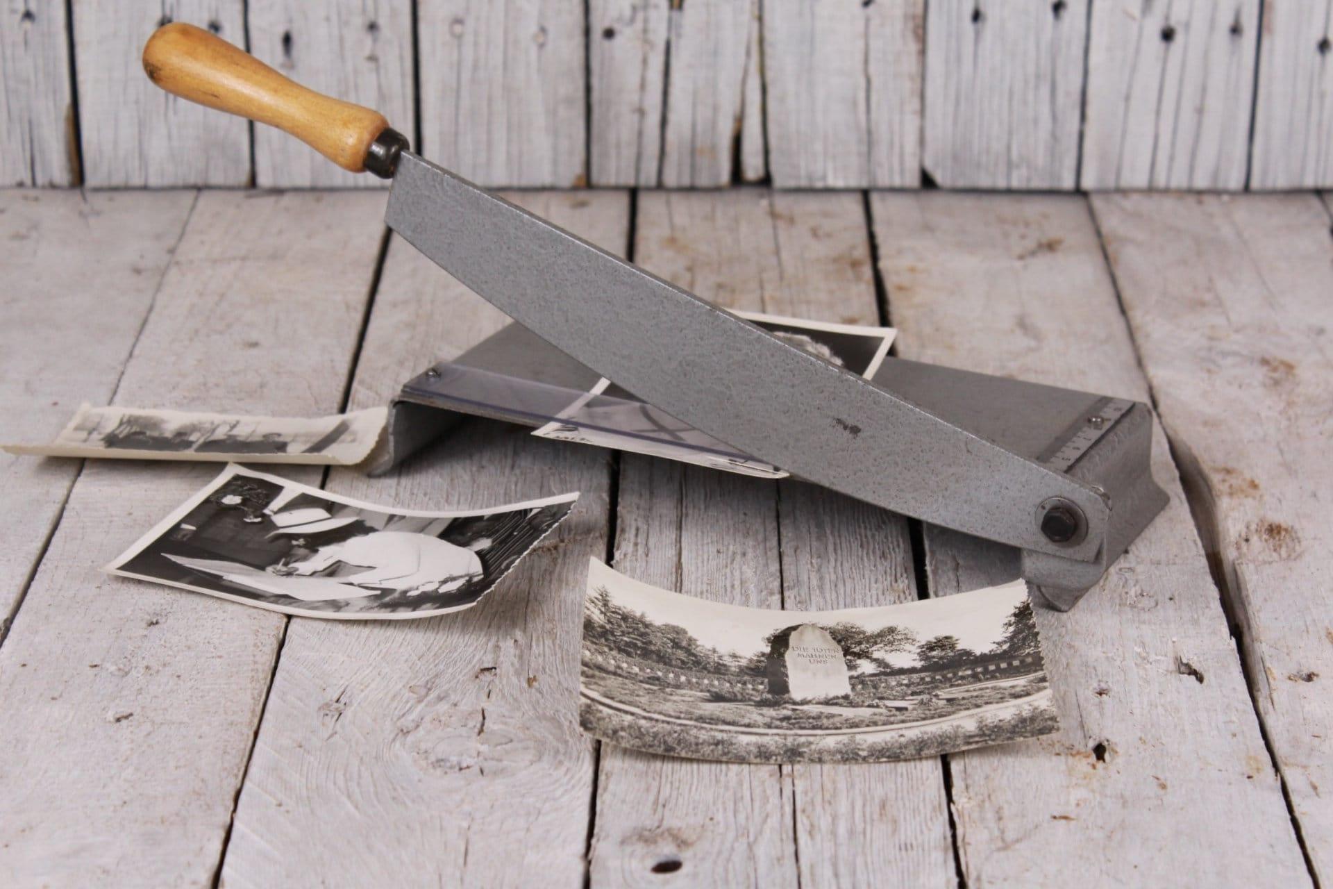 couteau à lames des curiosité années 1960 pour les photos, curiosité des coupe-papier, coupe défilement photos, vieux coupeur de photo, outil de coupe guillotine, coupe photo Vintage 8417d0