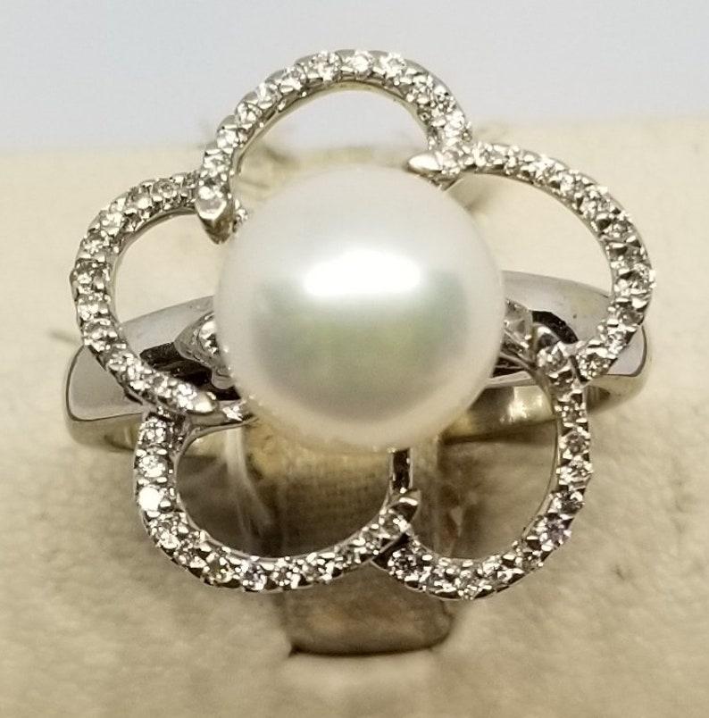 Z688 Vintage 14K White Gold Pearl /& Diamond Ring Size 7.25.