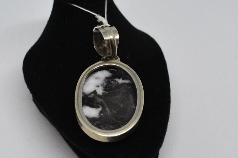 MA218 Vintage Sterling /& Zebra Pendant.
